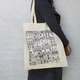 Bolsa con estampado en blanco y negro