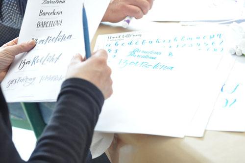 lettering sobre papel