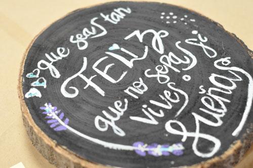lettering sobre madera